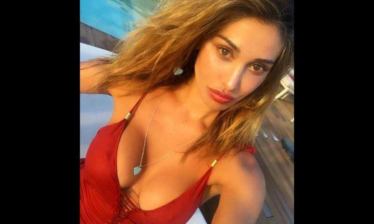Belen Rodriguez passa férias em Ibiza