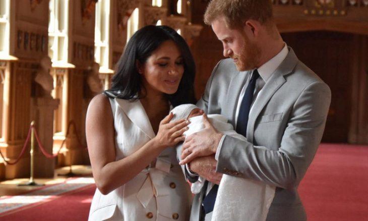 Megan Markle e Príncipe Harry apresentam Archie, seu bebê / Foto: Reprodução Instagram