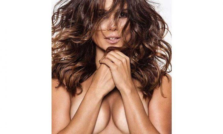 Cantora Paula Fernandes posta foto de topless e promete novidades