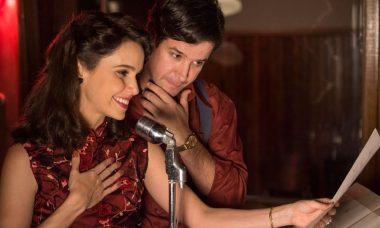 """Débora Falabella e Murilo Benício como o casal Verônica e Saulo, em """"Nada Será Como Antes"""" — Foto: Globo/Estevam Avellar"""