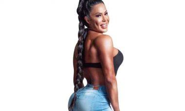 """Fã comenta sobre treinamento de Gracyanne Barbosa """"Isso que é uma calça resistente"""""""
