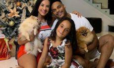 Scheila Carvalho se emociona com vídeo da filha dançando