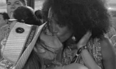 Carolina Dieckmann posta selinho em Taís Araújo e celebra o aniversário da amiga