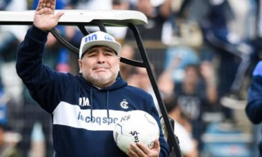 Diego Armando Maradona morre aos 60 anos após parada cardiorrespiratória