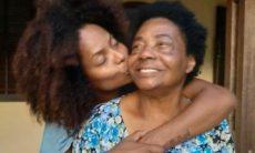 Aos 75 anos, mãe de Adriana Bombom morre de Covid-19
