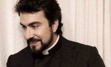 Padre Fábio de Melo aparece com novo rosto e web reage. Foto: reprodução instagram