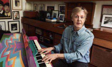Paul McCartney diz que ama usar máscaras de proteção contra o coronavírus