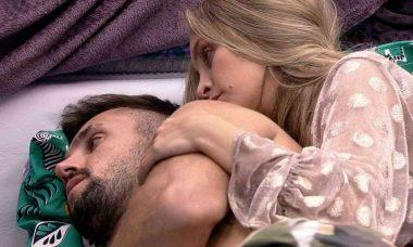 BBB 21: Arthur sobre relação com Carla: 'Brasil tá vendo e me julgando'