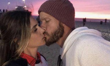 """Fernanda Lima celebra Dia do Beijo com Rodrigo Hilbert: """"Meu amor"""""""