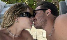 Em meio a rumores de crise no casamento, Wesley Safadão e Thyane curtem viagem juntinhos