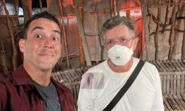 """Boninho elogia André Marques por 'No Limite': """"Talento e profissionalismo"""""""