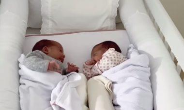 """Marcella Fogaça mostra as filhas gêmeas """"conversando"""""""