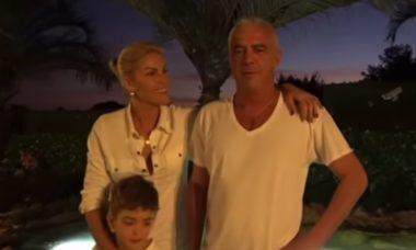 Alexandre Correa, marido de Ana Hickmann, se emociona com construção de lago em mansão