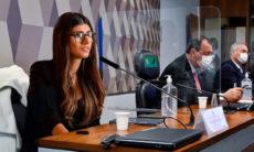 """Mia Khalifa posta montagem depondo na CPI da Covid: """"Uma mulher do povo"""""""