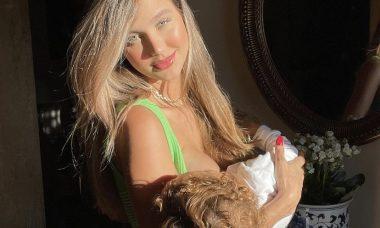 """Grávida, Biah Rodrigues posta clique amamentando o filho: """"Amor incondicional"""""""