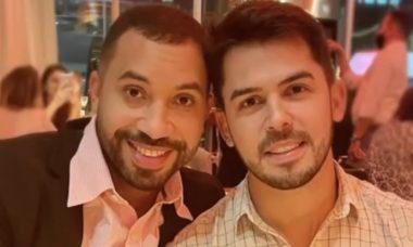 """Gil do Vigor posa com novo affair em restaurante: """"Com ele"""""""