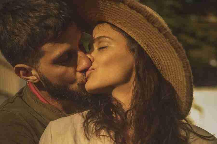 """Chay Suede se declara para Laura Neiva no aniversário: """"Te amo pra sempre"""" (Foto: Reprodução/Instagram)"""