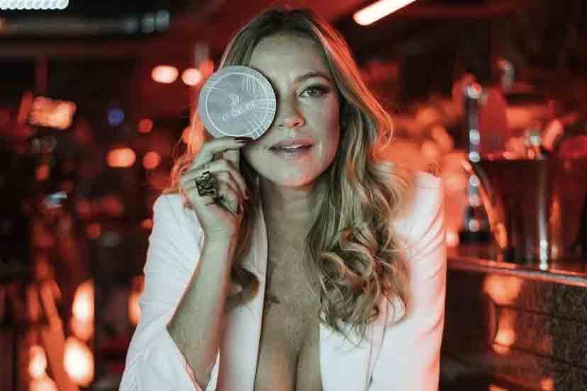 Luana Piovani recebe crítica por viver prostituta em série portuguesa (Foto: Reprodução/Instagram)