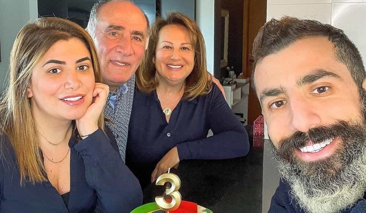 Kaysar Dadour celebra 3 anos de união com a família no Brasil: 'sou grato'