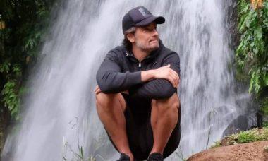 Rodrigo Santoro curte cachoeira e faz canoagem em viagem por Portugal