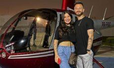 Bianca e Fred celebram 1 ano de namoro com passeio de helicóptero e jantar