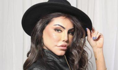 """Liziane Gutierrez desabafa sobre harmonização facial: """"Fiquei monstruosa"""""""