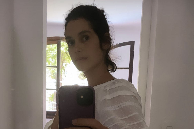 """Maria Flor exibe barriga de gravidez: """"Uma pança"""""""