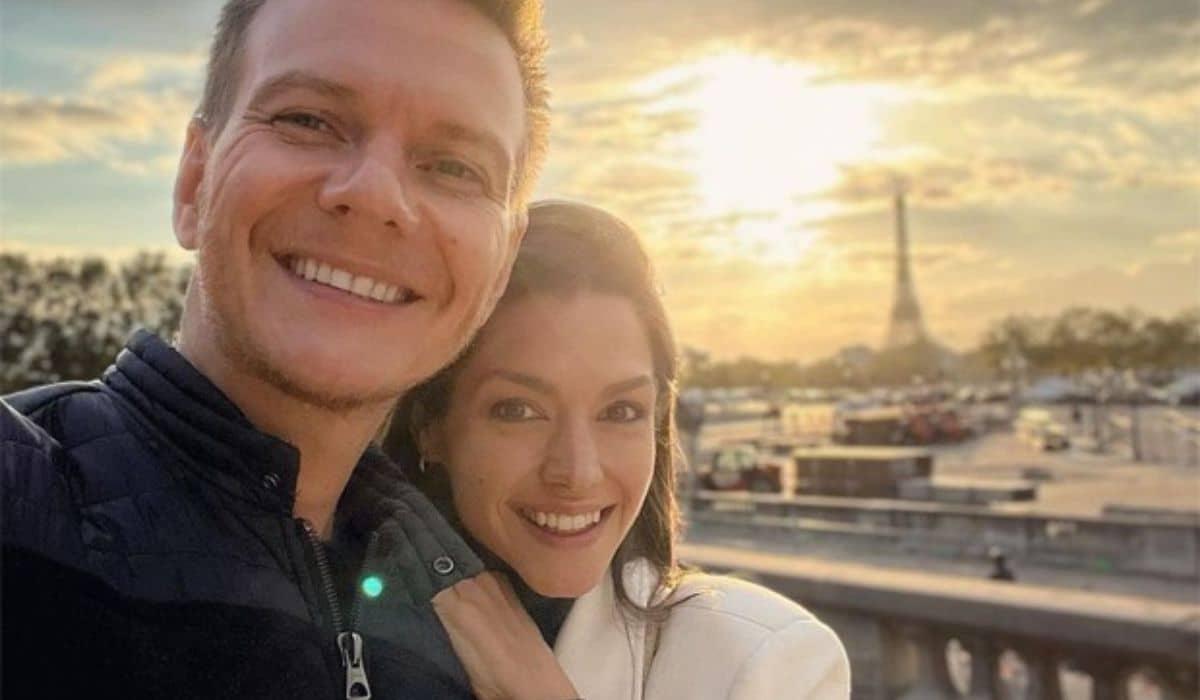Michel Teló se declara a Thais Fersoza em Paris: 'amor da minha vida'