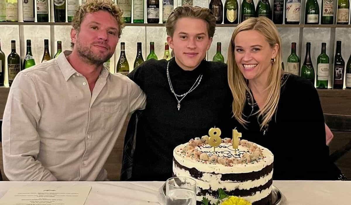 Reese Witherspoon e Ryan Phillippe celebram juntos aniversário do filho