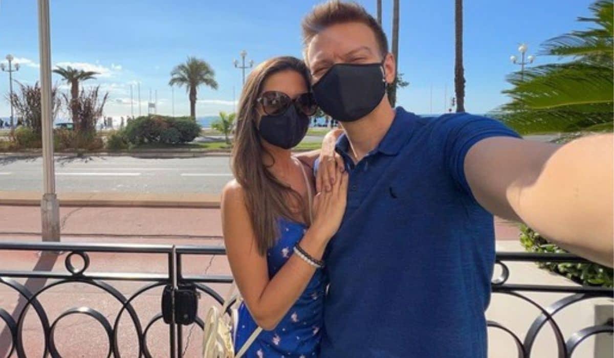Michel Teló e esposa celebram 7 anos juntos com viagem romântica
