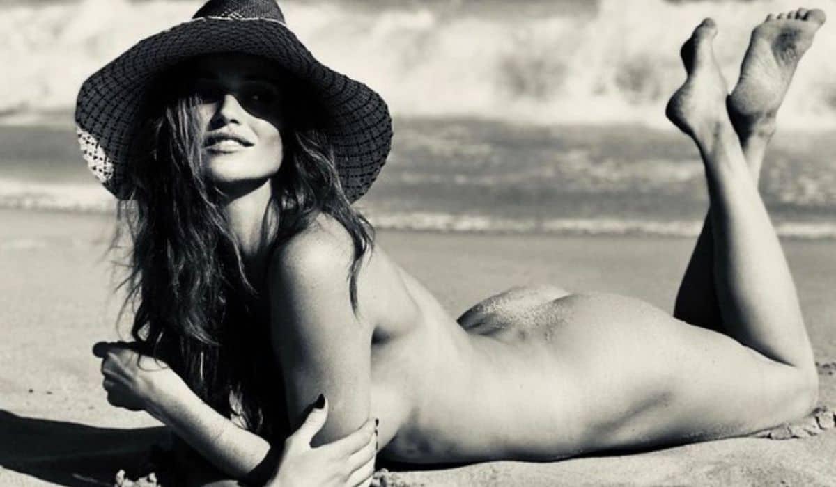 Cintia Dicker posa nua na praia: 'beleza agrada aos olhos'