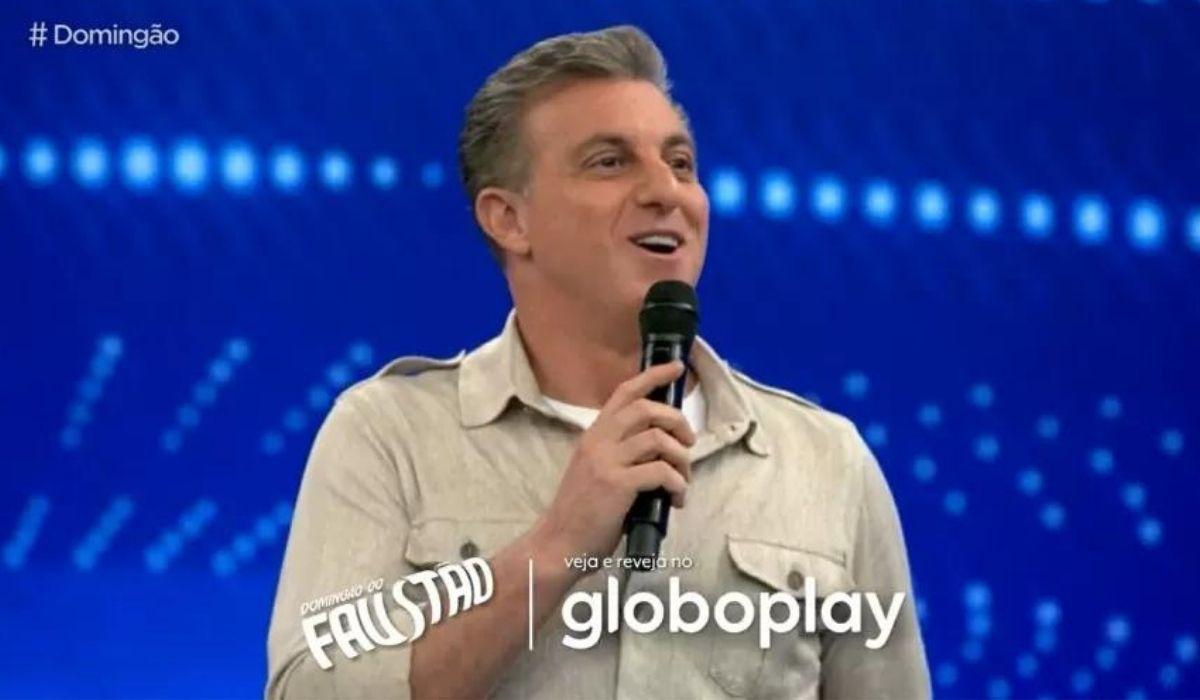 Gafe! Programa 'Domingão com Huck' encerra com o nome de 'Faustão'