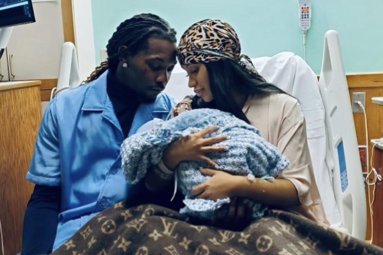 """Cardi B fala sobre puerpério após nascimento do filho: """"Chorando sem motivo"""""""