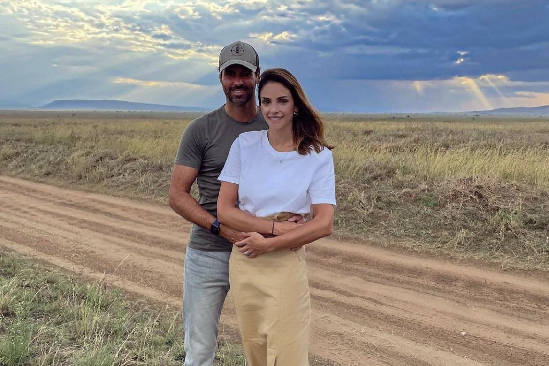 """Carol Celico celebra lua de mel com o marido: """"Nos conectamos"""""""