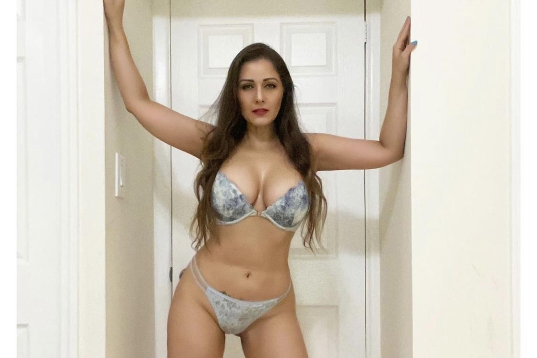 Ex-musa da 'Banheira do Gugu' posta fotos sensuais e perde seguidores