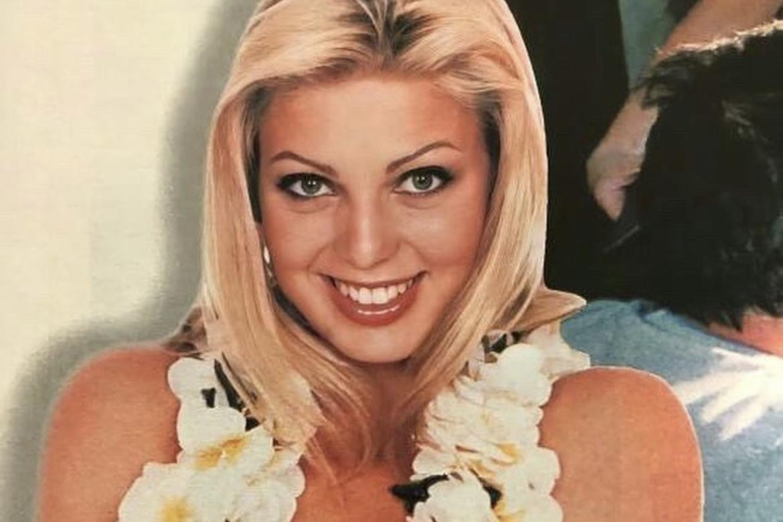 Sheila Mello relembra viagem ao Havaí em clique topless
