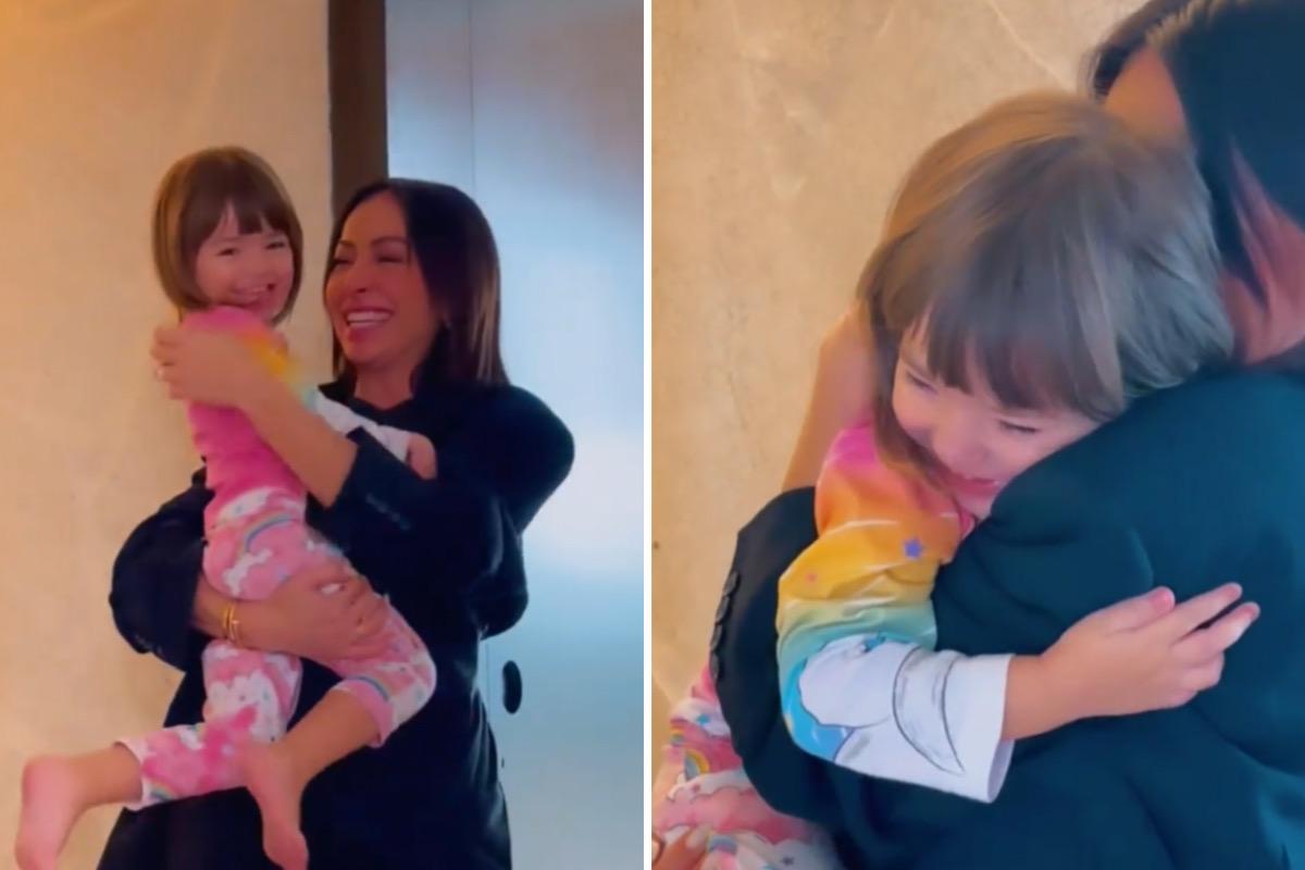"""Sabrina Sato reencontra filha após voltar de Paris: """"Precisava desse abraço"""""""